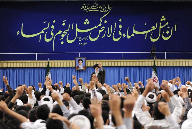 وظایف-روحانیت-از-دید-حضرت-آیتالله-خامنهای